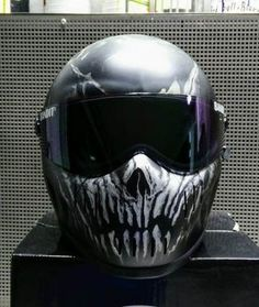 56 Ideas Custom Motorcycle Helmets Skull Awesome – About Cafe Racers Womens Motorcycle Helmets, Bobber Motorcycle, Biker Helmets, Motorcycle Girls, Futuristic Helmet, Vintage Motorcycles, Custom Motorcycles, Honda Motorcycles, Quad