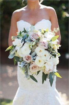 pink and white wedding bouquet #pastelbouquet #classicwedding #blushbouquet http://www.weddingchicks.com/2013/12/17/elegant-southern-california-wedding/