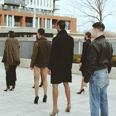 Männer in damenkleidung gezwungen