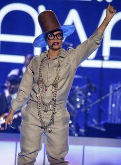 Erykah Badu throws shade at Iggy Azalea at the Soul Train Music Awards Afro Punk Fashion, Boho Fashion, Beautiful Black Women, Amazing Women, Train Music, Black Sisters, Soul Train, Fall Looks, Music Awards