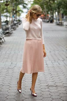 Soft colors and textures make this a perfect Friday casual outfit Pale Pink, Work Outfit, Pleated Skirt, Cashmere Outfit Nyc Fashion, Office Fashion, Work Fashion, Modest Fashion, Autumn Fashion, Style Fashion, Fashion Weeks, Spring Fashion, Vestidos Fashion