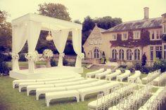 A beautiful white garden wedding. Andrea Polito Photography www.pinterest.com/stylebyjaz www.stylebyjasmine.blogstop.com