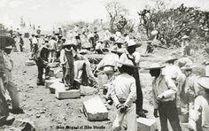 Trasladando bloques de cantera en San Miguel el Alto Jalisco Mexico