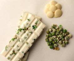 31% white chocolate with roasted and salted wasabi peas.