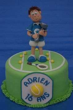 Tennis guy on cake Tennis Cupcakes, Tennis Cake, Kid Cupcakes, Fondant Cakes, Cupcake Cakes, Mountain Bike Cake, Giraffe Birthday Cakes, Sports Themed Cakes, Bike Cakes