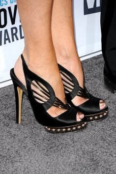 Rachel Evan Woods shoes at the 2012 Golden Globes