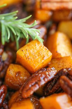 Vegan: Cinnamon Pecan Roasted Butternut Squash - Easy, simple, sweet and just so stinking good! And you can serve this with anything and everything! Veggie Recipes, Cooking Recipes, Healthy Recipes, Meatless Recipes, Vegetarian Meals, Healthy Dinners, Yummy Recipes, Healthy Snacks, Dinner Recipes