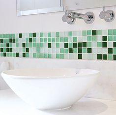 Banheiros com Pastilhas de Vidro: Dicas e Mais de 40 Fotos - Casa e Festa