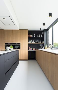 Werk | HUISWERK Modern Kitchen Cabinets, Kitchen Cabinet Design, Kitchen Interior, Home Interior Design, Living Spaces, House Plans, Kitchens, House Extensions, Home Decor