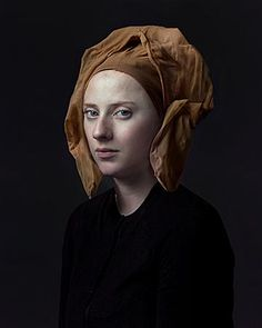 Hendrik Kerstens has created a series of anachronistic portraits through which he has immortalized the portrait of women wearing period headdresses and hats. Photo Portrait, Female Portrait, Portrait Art, Digital Photography, Fine Art Photography, Portrait Photography, Fantasy Angel, Tableaux Vivants, Art Graphique