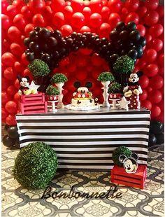 Bebeğinizin bir yaş partisi için harika bir seçim..Mickey Mouse..  #baby #bebek #birthdayparty #dogumgunu