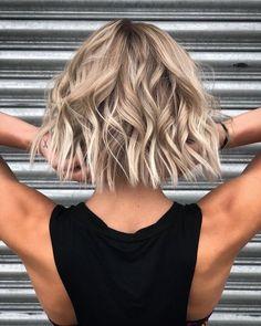 Above Shoulder Length Hair, Neck Length Hair, Shoulder Length Hairdos, Medium Hair Styles, Curly Hair Styles, Lob Hairstyle, Hairstyle Ideas, Perfect Hairstyle, Brown Blonde Hair