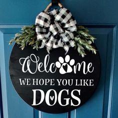 Wooden Door Signs, Wooden Door Hangers, Diy Wood Signs, Pallet Signs, Outdoor Wood Signs, Painted Wood Signs, Wood Front Doors, Front Door Decor, Wreaths For Front Door