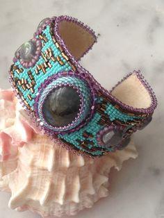 Un preferito personale dal mio negozio Etsy https://www.etsy.com/it/listing/161866681/ethnic-bracelet-with-labradorite-stone