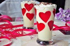 Bon appetit mon amie: Deser walentynkowy II (mus z białej czekolady) Bon Appetit, Pillar Candles, Glass Of Milk, Panna Cotta, Ethnic Recipes, Food, Dulce De Leche, Essen, Meals