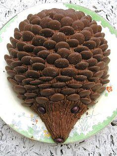 Je suis certaine que ça ferait fureur un soir de party !! :-) Gâteau hérisson! - adorable :)