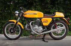 14_530_Ducati_750_Sport_001B