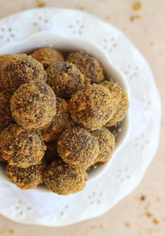 The Gold Lining Girl | Gingersnap Chocolate Ganache Truffles | http://thegoldlininggirl.com