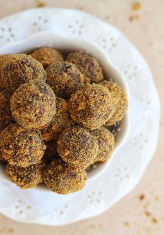 The Gold Lining Girl   Gingersnap Chocolate Ganache Truffles   http://thegoldlininggirl.com