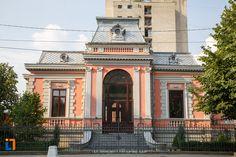Fosta Bancă Națională (1891), Str. Republicii 16, Turnu Măgurele Romania, Notre Dame, Mansions, Architecture, House Styles, Building, Travel, Home Decor, Arquitetura