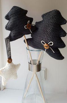 Hæklede juletræer Christmas Items, All Things Christmas, Christmas Crafts, Xmas, Christmas Knitting, Art Projects, Halloween, Diy, Blog