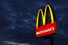 McDonald's tem queda de 33% no lucro do primeiro trimestre - http://po.st/LeuIKf  #Economia, #Empresas - #FastFood, #Lucro, #Mcdonalds, #PrimeiroTrimestre, #Receita, #Restaurante