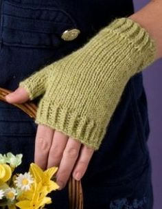 Let& knit it! Fingerless gloves or mitts, call them whatever you like; some people call these hand-warmers for they only cover your hand and not the fingers or sometimes half of the fingers. Some of you might call these wrist-warmers for they are. Knitted Mittens Pattern, Knit Mittens, Knitting Patterns Free, Crochet Patterns, Free Knitting, Hat Patterns, Free Pattern, Knitting Machine, Loom Knitting
