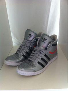 cd5c6ddeea6d Adidas Schuhe Adidas Schuhe aus der Sleek Series - erst ein mal getragen!  Größe  37 1 3 Farbe  Silber (Lack