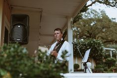 Musician for outdoor wedding ceremony at Beltane Ranch in Sonoma