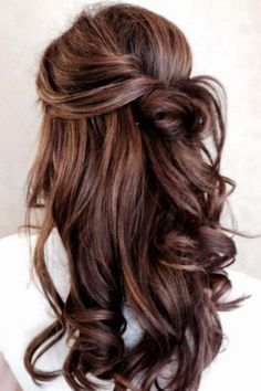 Now I'm hoping my hair will grow out this long by the time my sister has her wedding. Love this style.