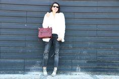 I love Fita Métrica: White fluffy Coat!