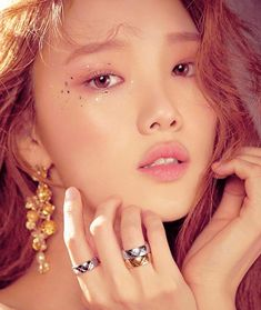 """Lee Sung Kyung for Vogue Me ♥ "" Ulzzang Makeup, Lee Sung Kyung, Weightlifting Fairy Kim Bok Joo, Celebs, Celebrities, These Girls, Korean Actors, New Hair, Actors & Actresses"