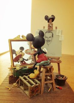 Mickey Mouse Paints Walt Disney, Mickey Mouse Art and Sculpture. Walt Disney, Disney Love, Disney Magic, Hades Disney, Disney Prom, Mickey Mouse Art, Mickey Mouse And Friends, Princesas Disney Dark, Pixar