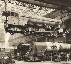 BW photograph from 1935 vintage steam train di theStoryOfVintage