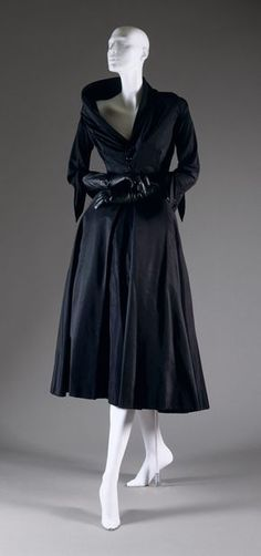"""Abandon"" afternoon dress, fall/winter 1948–49 Christian Dior (French, 1905–1957); Christian Dior Haute Couture (French, founded 1947) Silk, cotton"