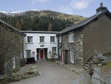 YHA Helvellyn - hostel up England's highest peak. On-site parking. Perfect for walkers & climbers. Cheap Places To Travel, Great Places, Lake District Accommodation, Rural Retreats, Adventure Activities, Camping And Hiking, Cumbria, Winter Activities, Hostel