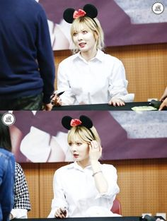 Hyuna rocking her new ears at TroubleMakers Ilsan Fansign 2013