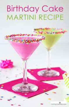 This is such a fun colorful party drink! How to make a colorful Birthday Cake Martini with candy sprinkles. An easy cocktail recipe that tastes just like a birthday cake! 30th Birthday Cake For Her, Birthday Cake Martini, Colorful Birthday Cake, Birthday Drinks, Party Drinks, Fun Drinks, Yummy Drinks, Martini Party, Birthday Cocktail