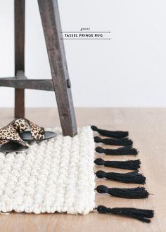 Giant Tassel Fringe Rug DIY | Earnest Home co. | Bloglovin'