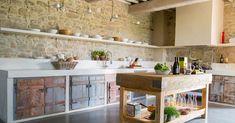 Stone and wood kitchen interior BioMalta RAL 7010 Grigio Tenda : by Marcello Gavioli Beautiful Kitchens, Cool Kitchens, New Kitchen, Kitchen Dining, Kitchen Ideas, Sweet Home, Concrete Kitchen, Concrete Floor, Rustic Kitchen Decor