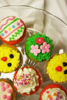 Easter & Spring Cupcakes!  Click over for more pics and details!