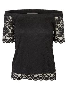 Off-the-shoulder lace top from VERO MODA. The perfect party item!