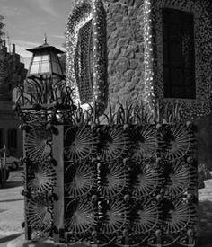 Lles velles artesanies. Las viejas artesanías. Old craft styles. #Parkguell #Barcelona Barcelona, A Hundred Years, Park, Historia, Barcelona Spain, Parks