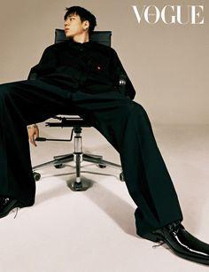 The Block, Vogue Korea, Vogue Spain, Shoes Editorial, Editorial Fashion, Men Editorial, High Fashion Photography, Photography Poses, Editorial Photography