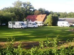 Camperplaats Rabo-Scheele in het dorpje Hertme, ongeveer 2 kilometer vanaf Borne.