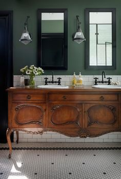 ideas antique furniture bathroom vanity old sewing machines The vanity is a converted antique buffet. Medical cabinets sunk over it .The vanity is a converted antique buffet. In addition, recessed medicine cabinets offer additional Antique Buffet, Antique Vanity, Vintage Vanity, Upstairs Bathrooms, Master Bathroom, Vanity Bathroom, Country Bathrooms, Shower Bathroom, Chic Bathrooms