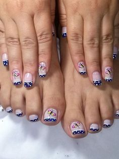 Gorgeous 40 French Nails With Flowers - isishweshwe Pedicure Designs, Pedicure Nail Art, Toe Nail Designs, Nail Polish Designs, Toe Nail Art, Us Nails, Love Nails, Hair And Nails, French Nails