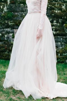 English Garden Wedding Inspiration with Emily Riggs Gowns | Wedding Sparrow | Maria Lamb Photography