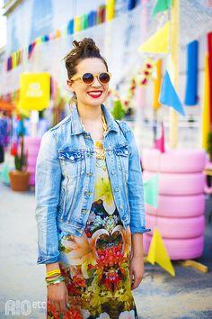 Comentário Fernanda Fuscaldo: Jaqueta jeans para quem tem estilo criativo.