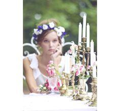Candélabres French Antique Wedding http://www.vogue.fr/mariage/adresses/diaporama/decoration-de-mariage-vintage-de-french-antique-wedding-de-valerie-de-taillac/21853#!candelabres-french-antique-wedding